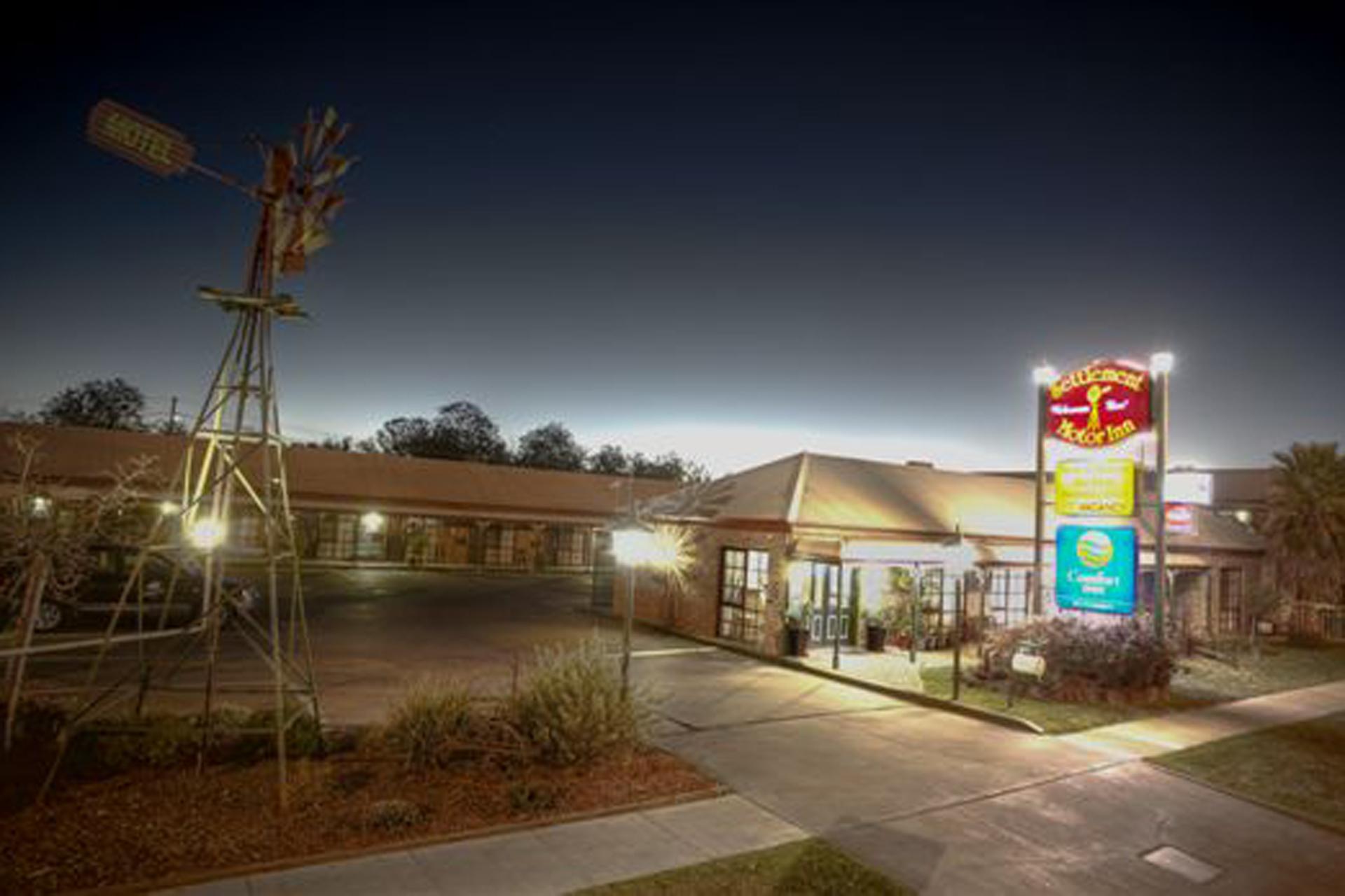 c - Settlement Motor Inn