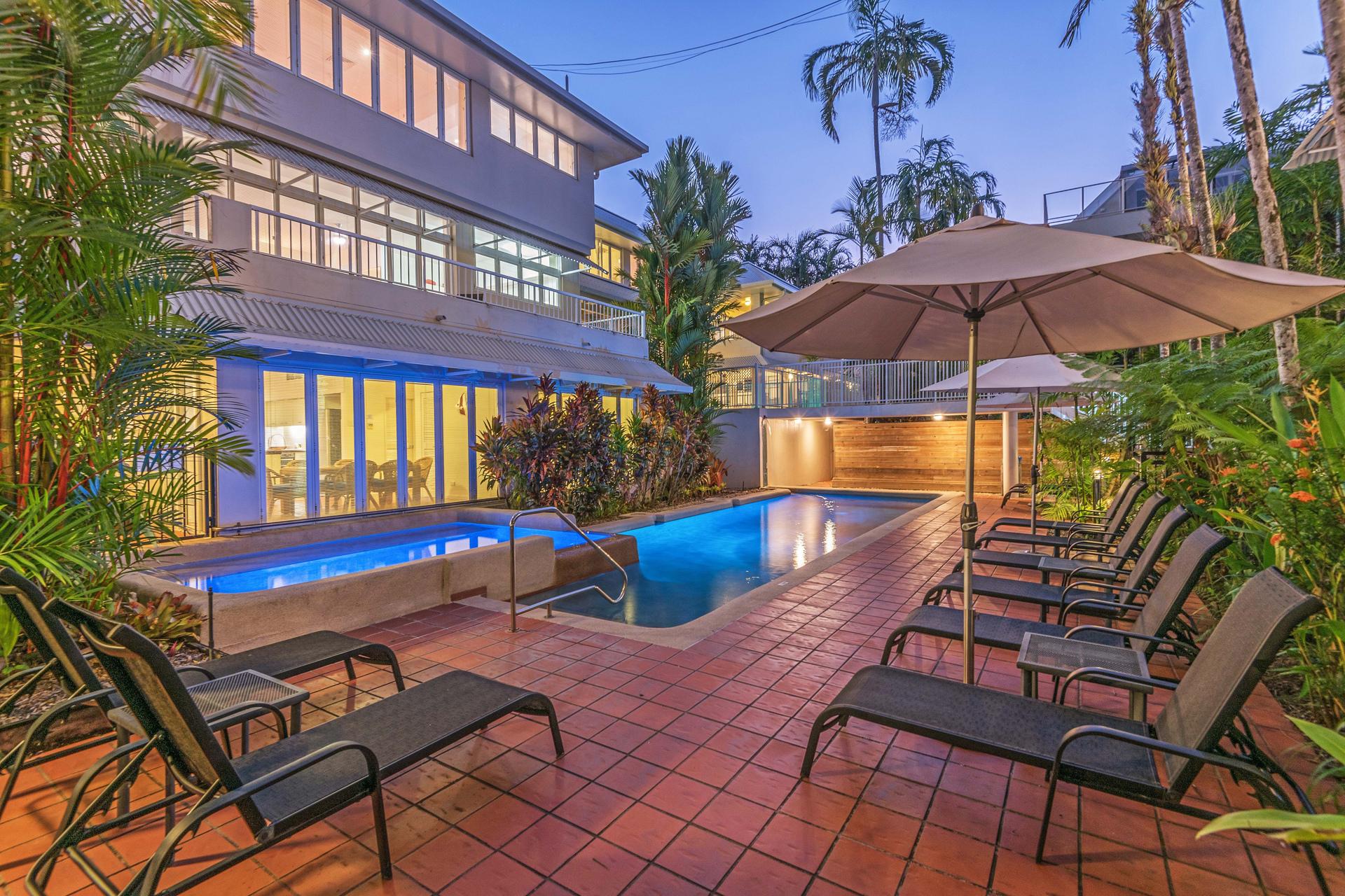 c - Balboa Apartments