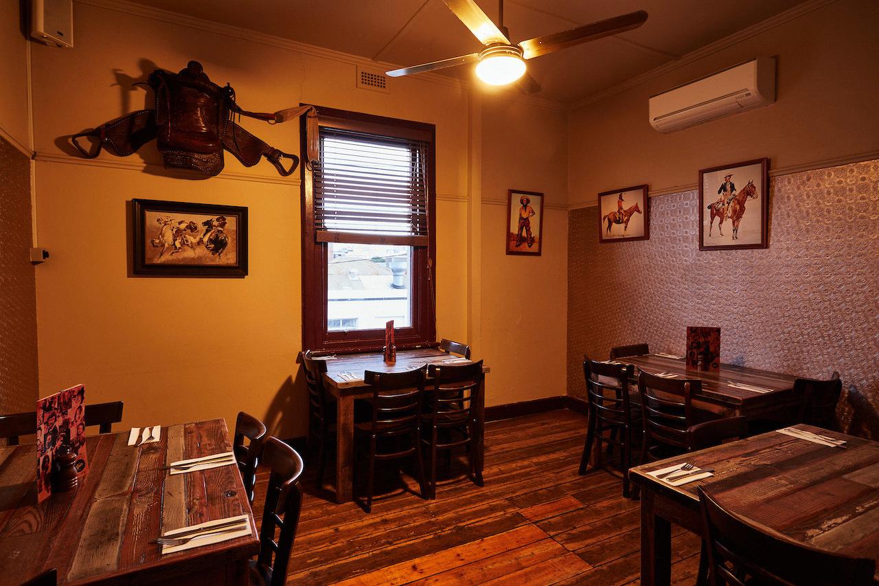 h - The Gem Bar & Dining Room