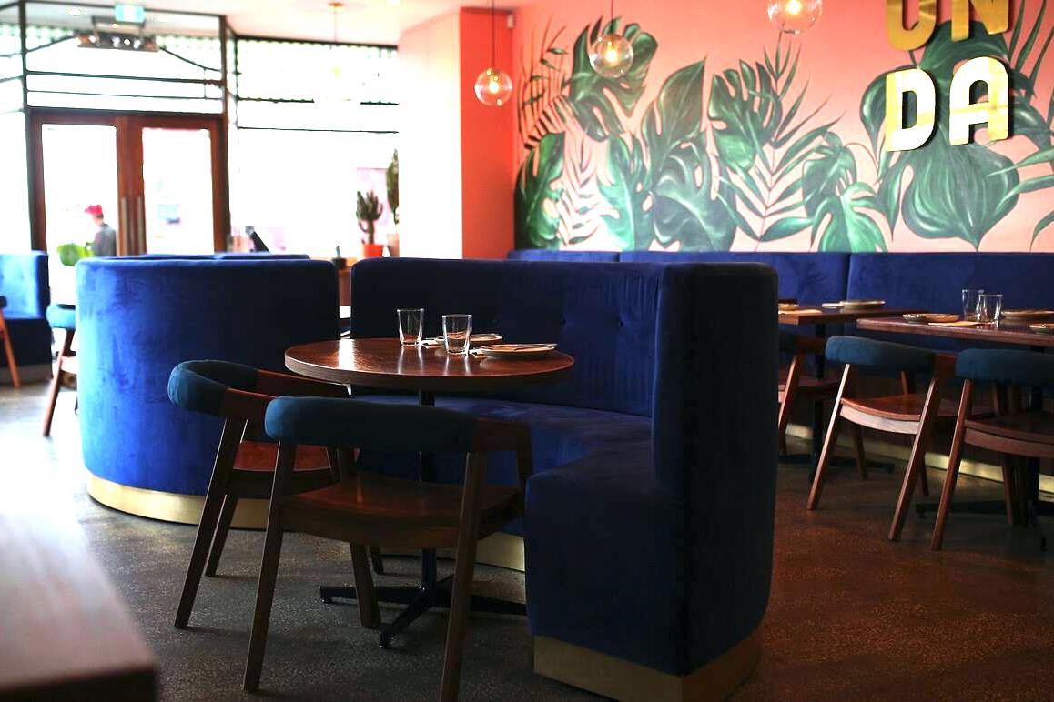 b - Onda Bar & Eatery