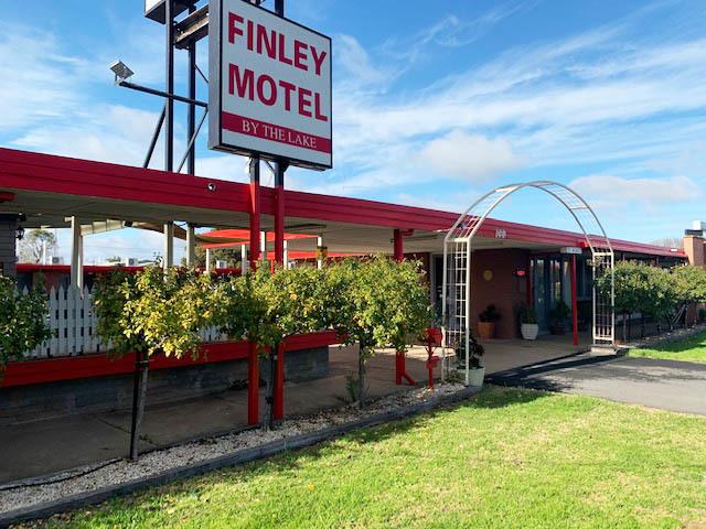 Finley Motel by the Lake
