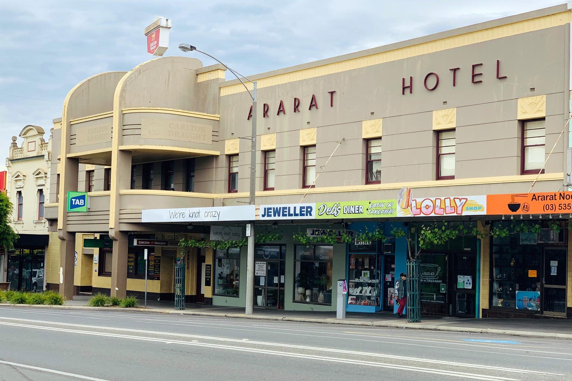 g - Ararat Hotel