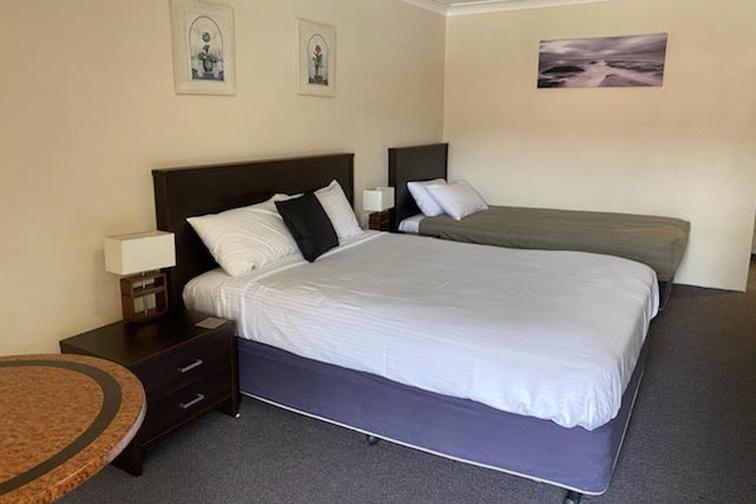 f - Lake Macquarie Motor Inn