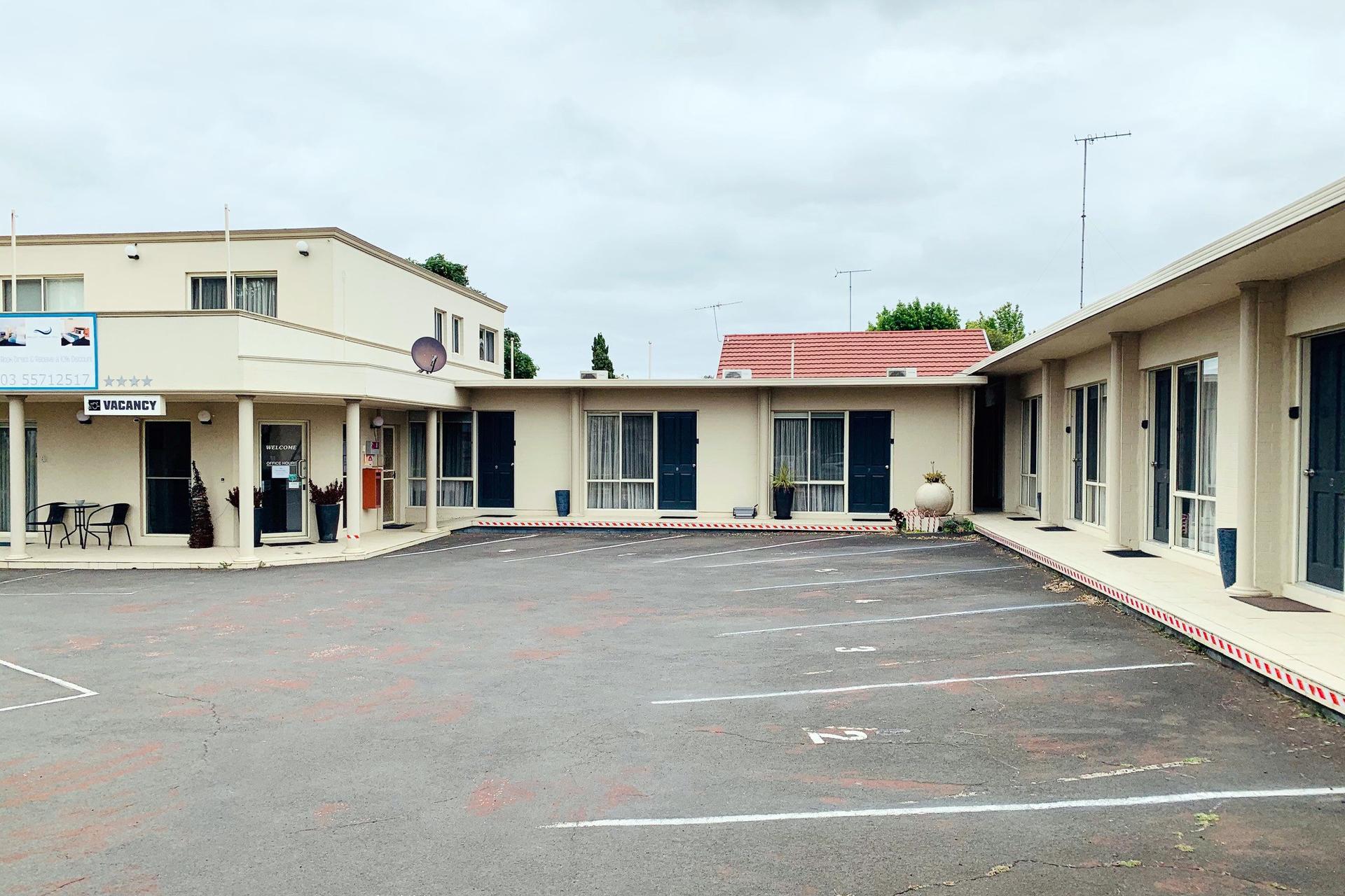 d - Hamilton Townhouse Motel