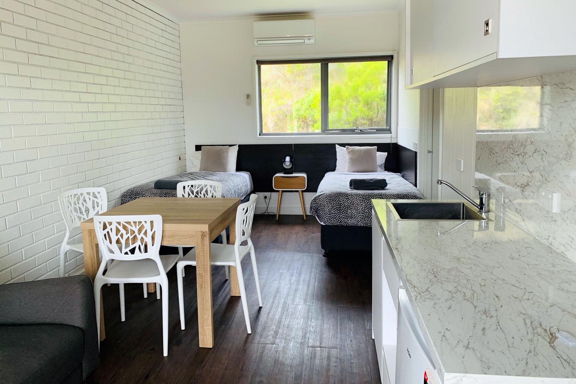 o - Southern Ocean Motor Inn