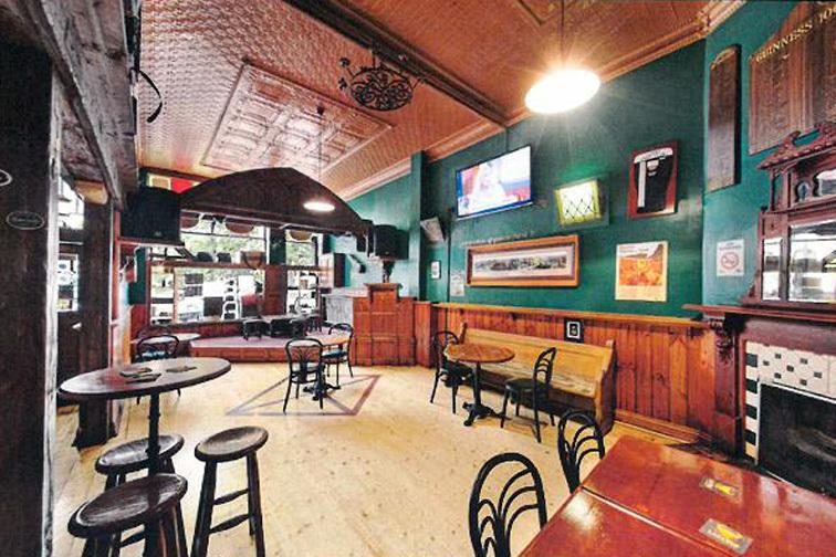 b - Irish Murphy's