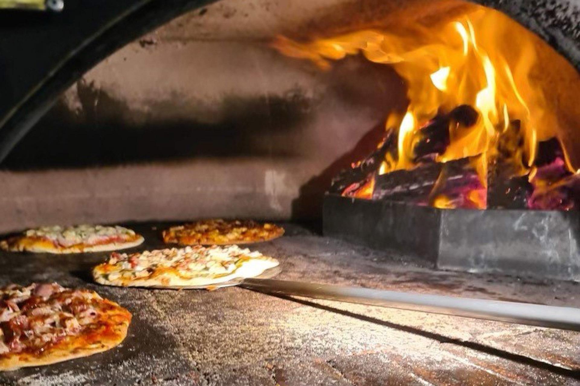 g - Rookies Pizzeria Bar & Bistro