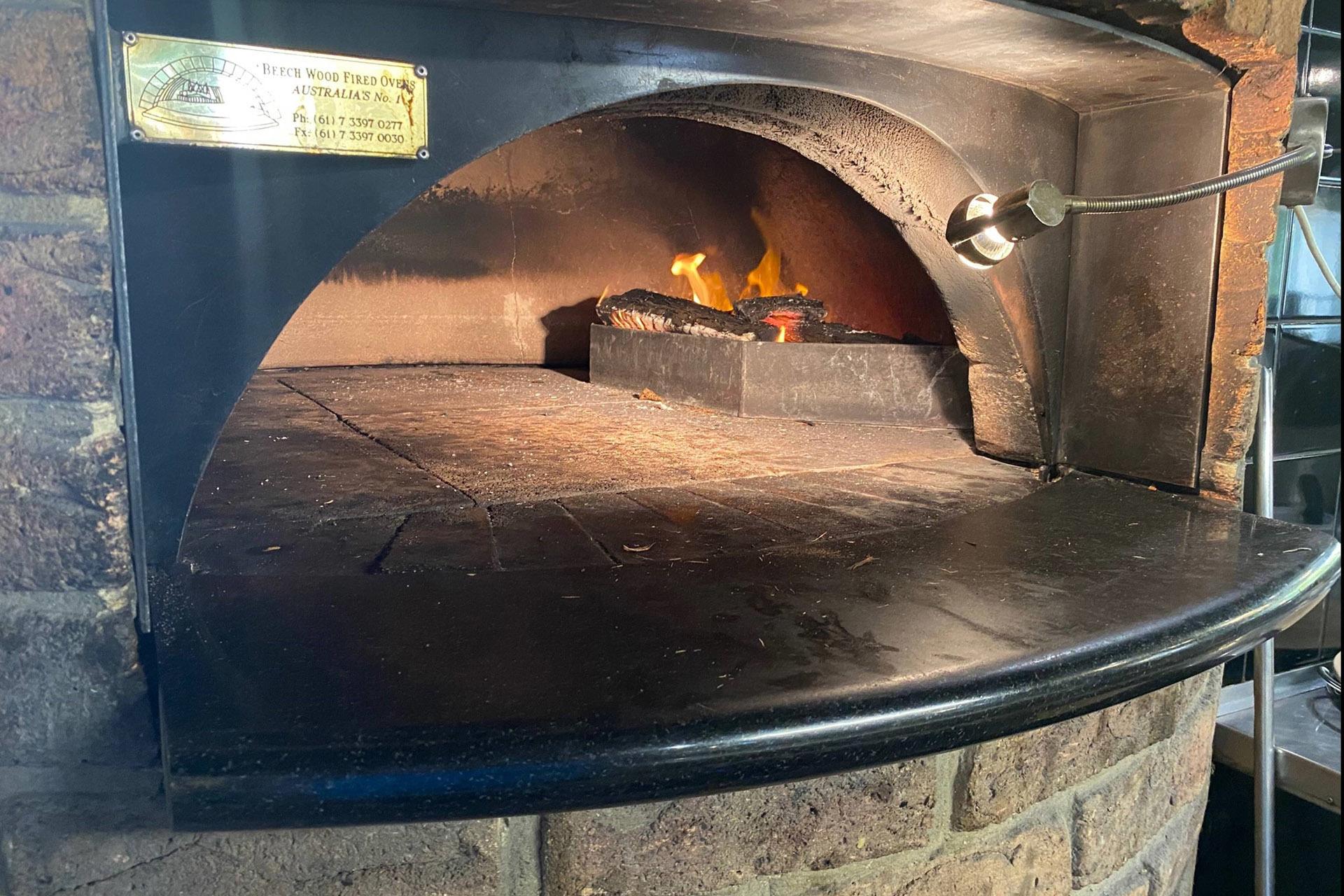 d - Rookies Pizzeria Bar & Bistro