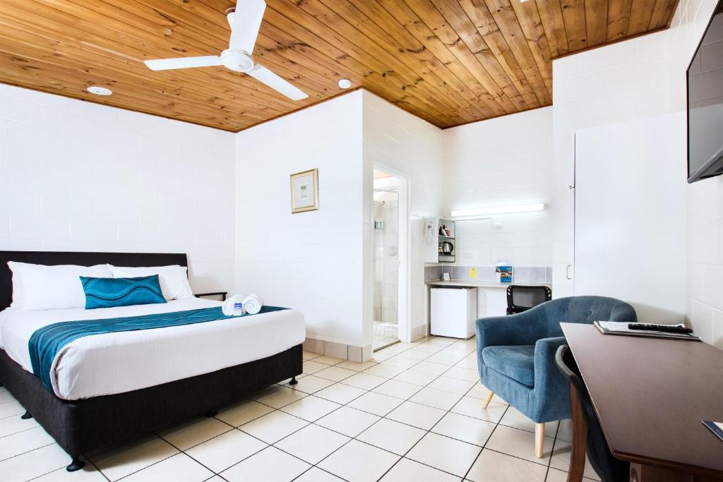 a - Barrier Reef Motel