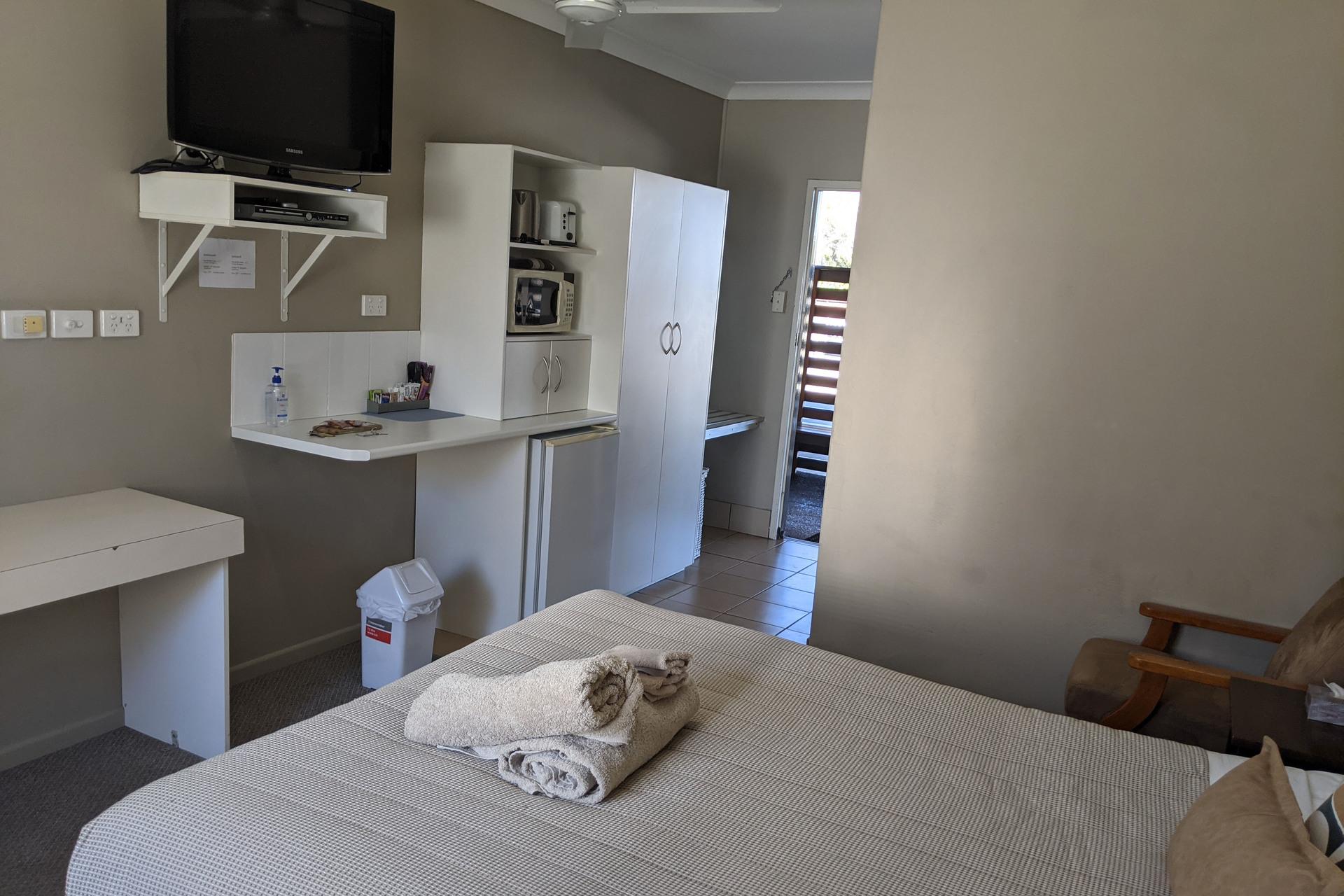 b - Kerry Court Motel