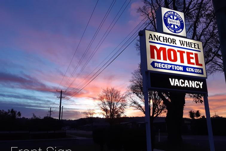 b - Anchor Wheel Motel