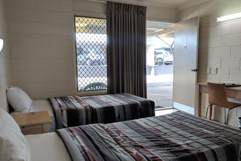 c - Nambour Lodge Motel