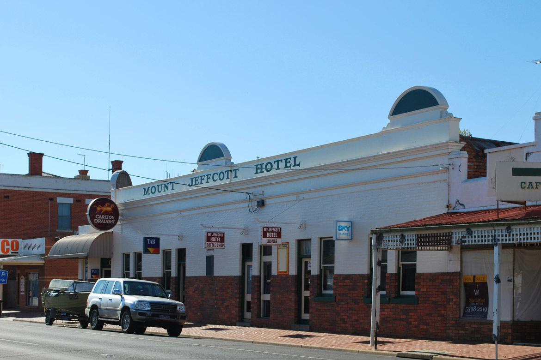 d - Mount Jeffcott Hotel