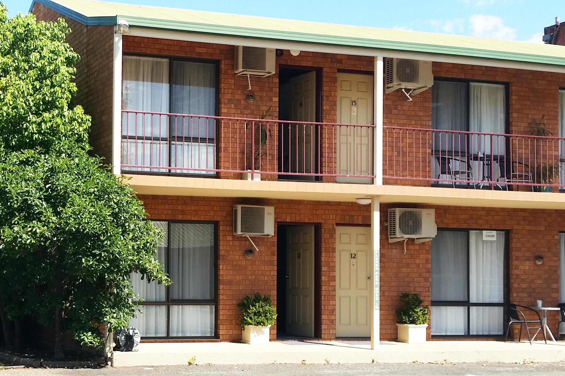 f - Yambil Inn Motel