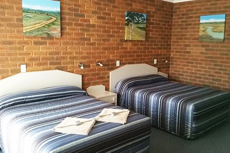 c - Yambil Inn Motel