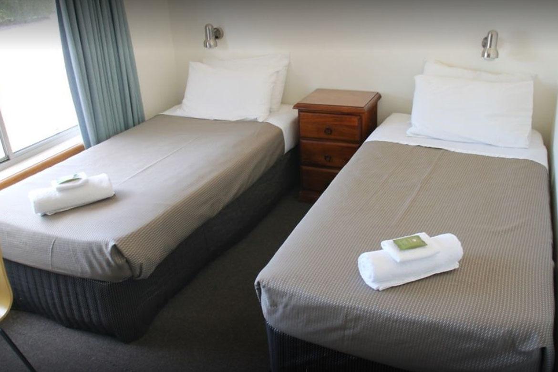 c - Mountain View Motel