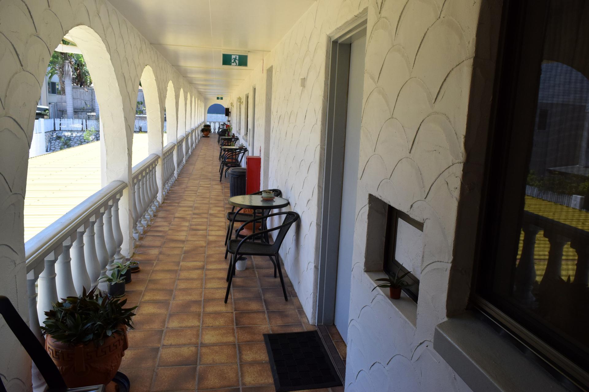 b - Siesta Villa Motel