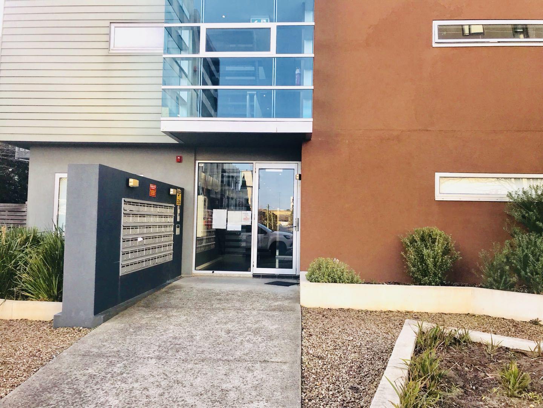 Unit 202/6 Bruce Street,  Box Hill