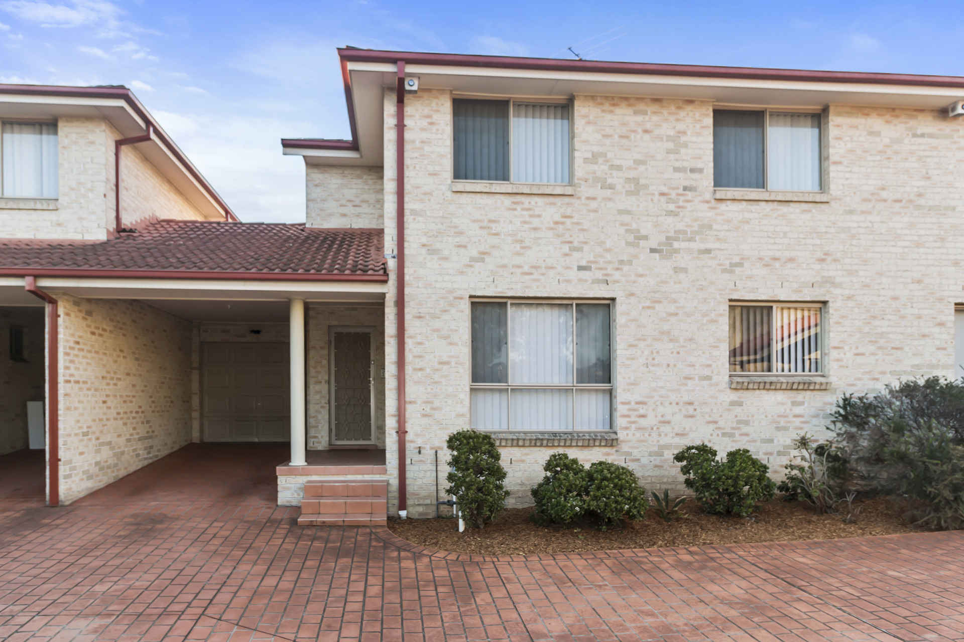 5/16-18 Carnation Avenue,  Casula