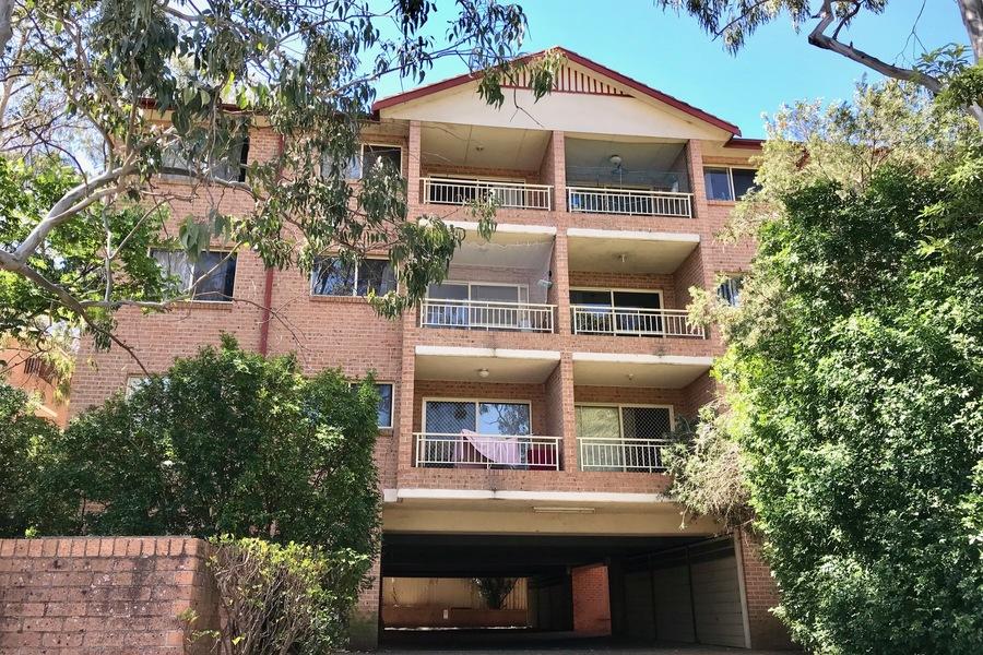 4/14-16 Lennox Street Parramatta