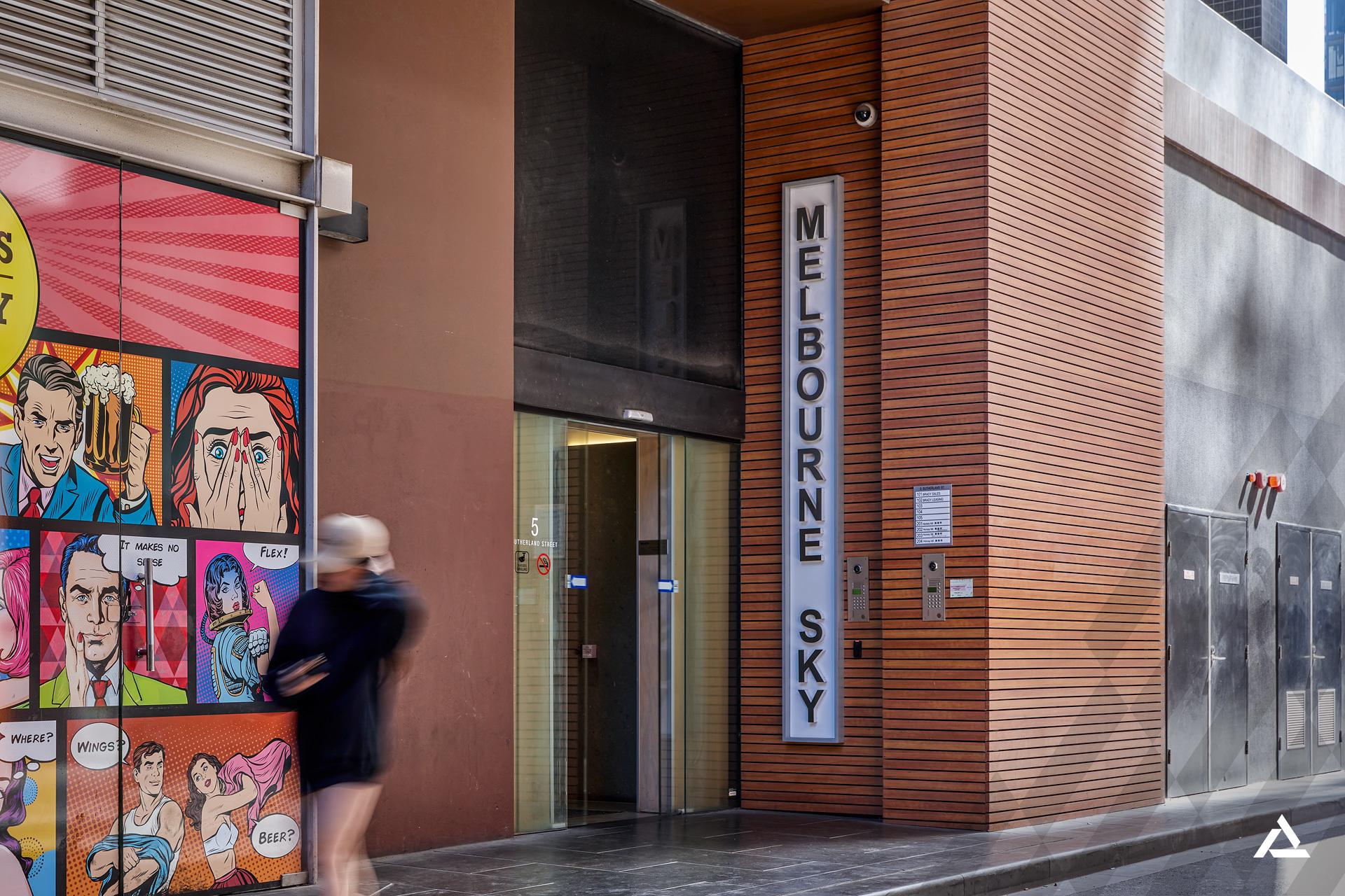 2207/5 Sutherland Street,  Melbourne