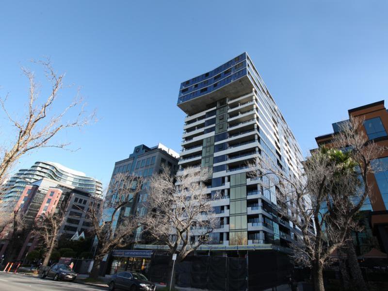1215/568 St Kilda Road,  Melbourne