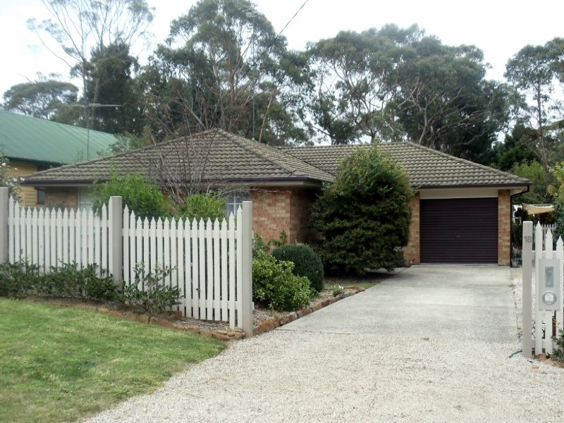 18 St Andrews Avenue,  BLACKHEATH