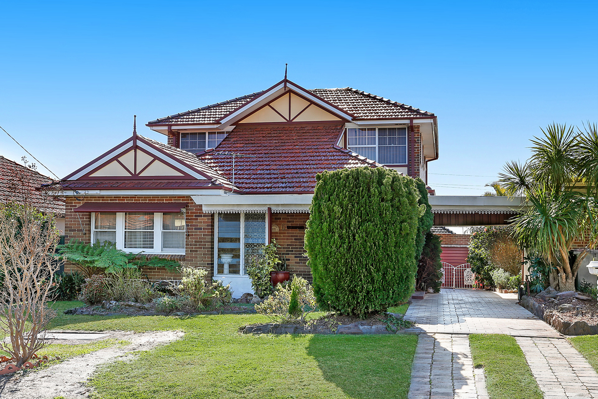 6 MacDonald Crescent,  Bexley North