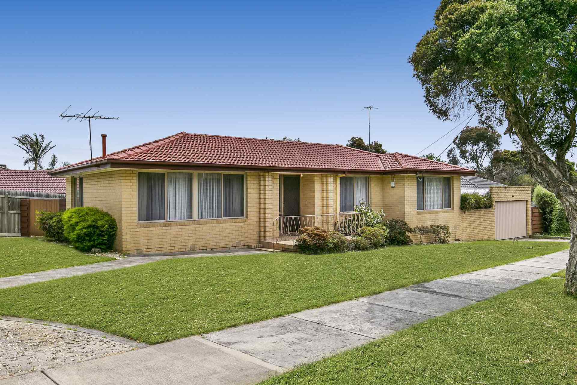 13 Kashmir Crescent, FRANKSTON, VIC, 3199 - Image
