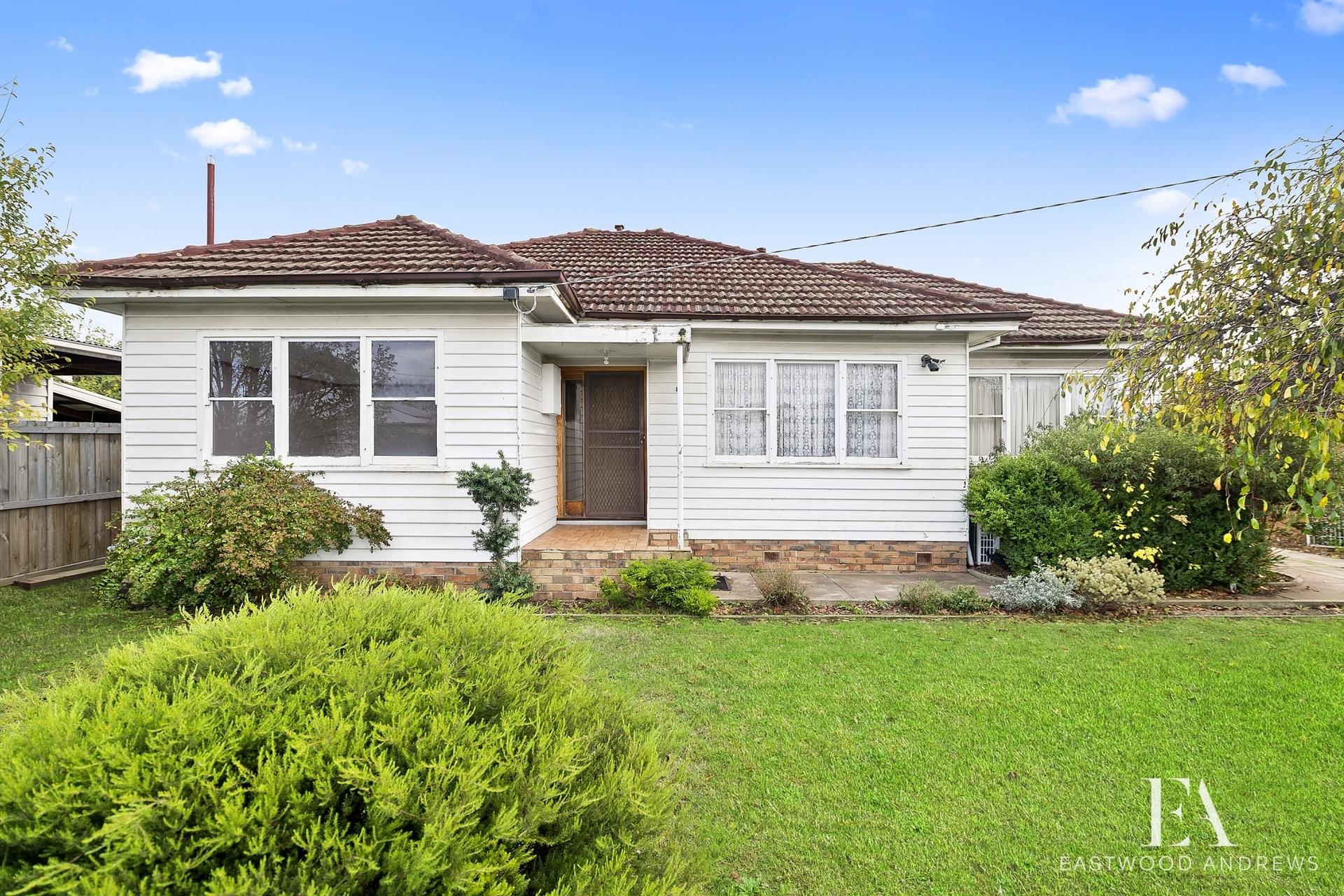 8 Loftus Street,  East Geelong