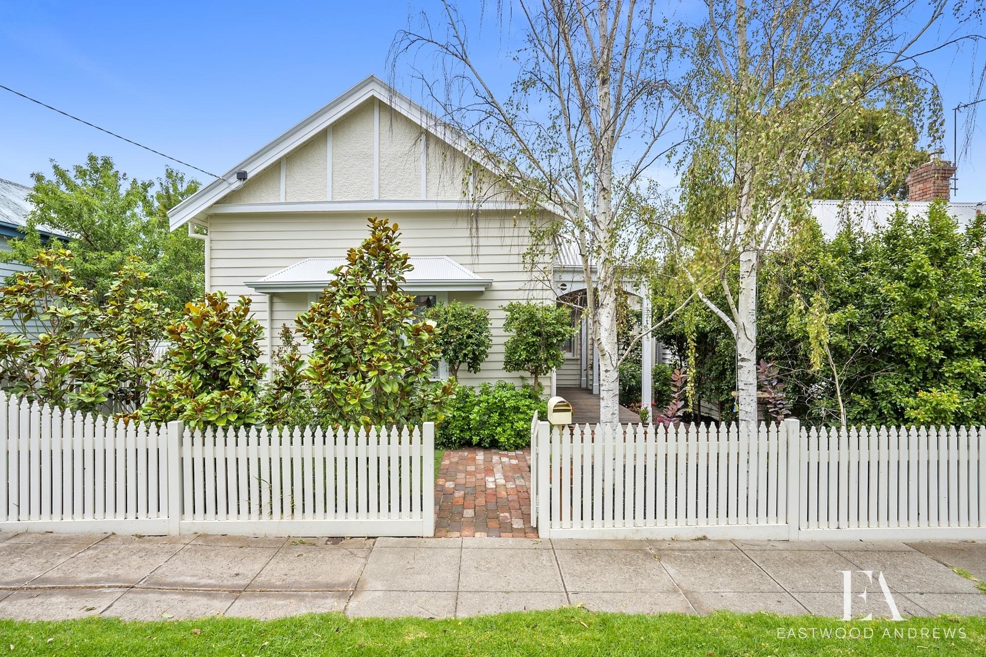 5 Connor Street,  East Geelong