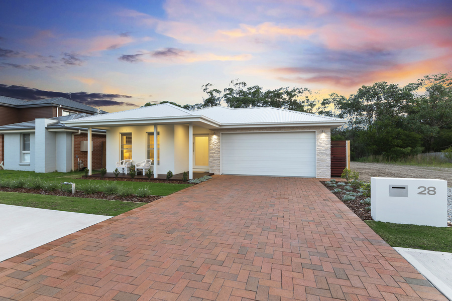 STYLISH NEW HOME WITH FAIRWAY VIEWS