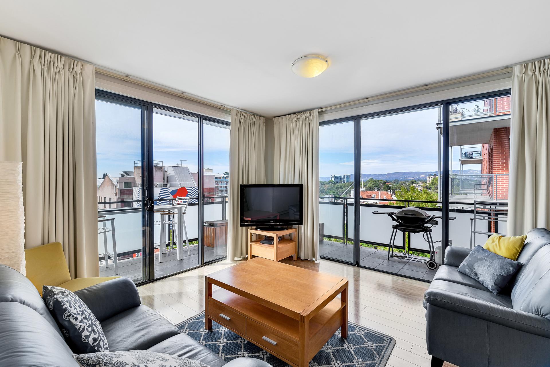 Spacious Corner Apartment with Wrap-Around Balcony & Stunning Views!