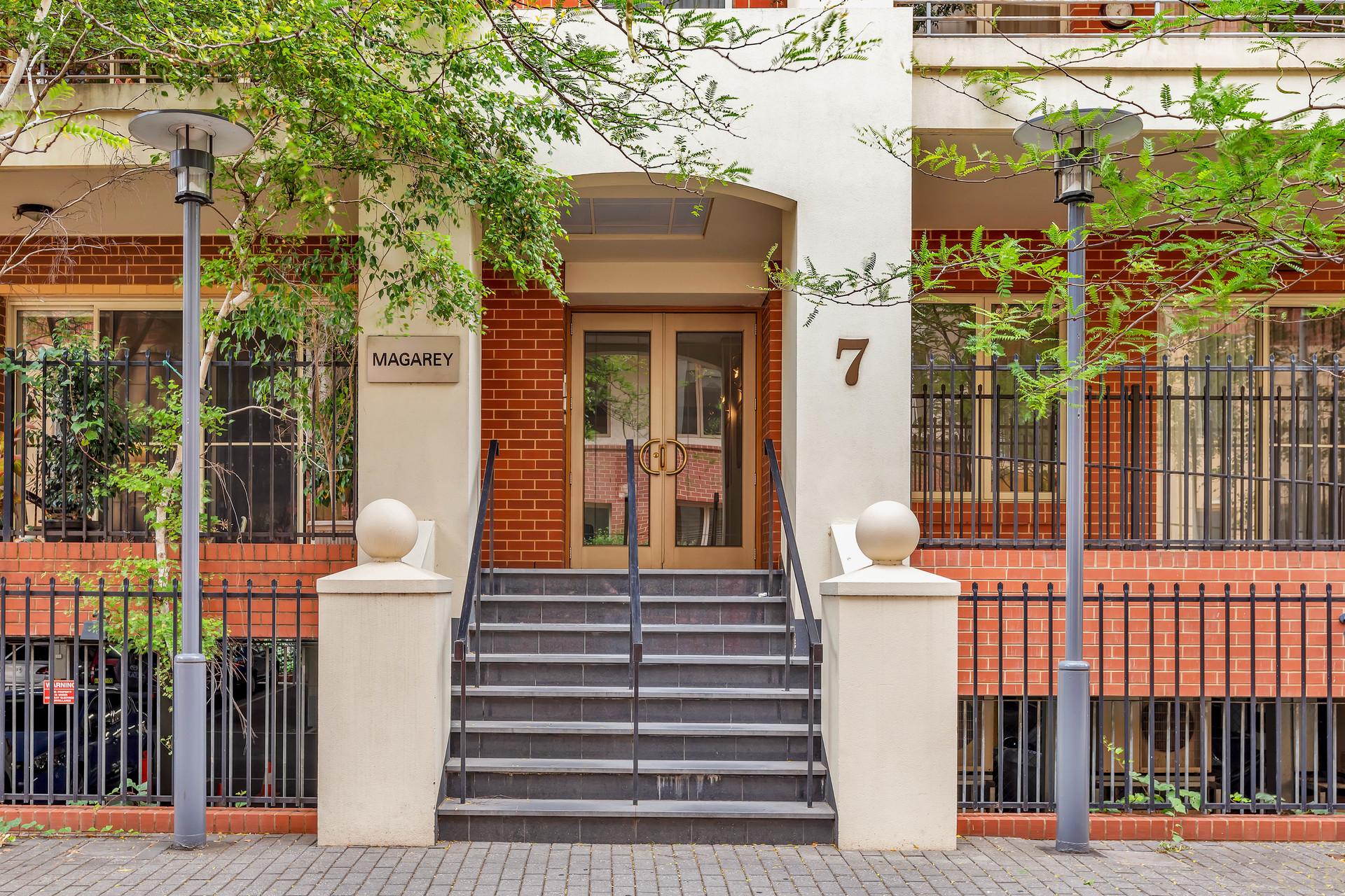 Elegant East End Apartment Boasting Style & Space!