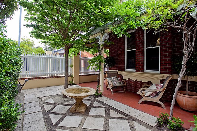 59 Kingston  Avenue,  West Perth