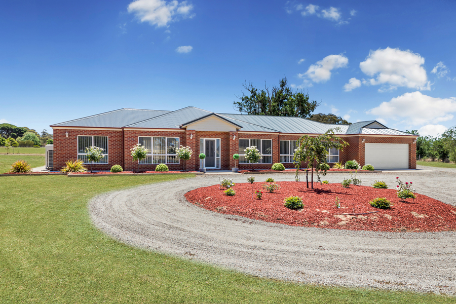 Quality Family Home with Perfect Presentation!