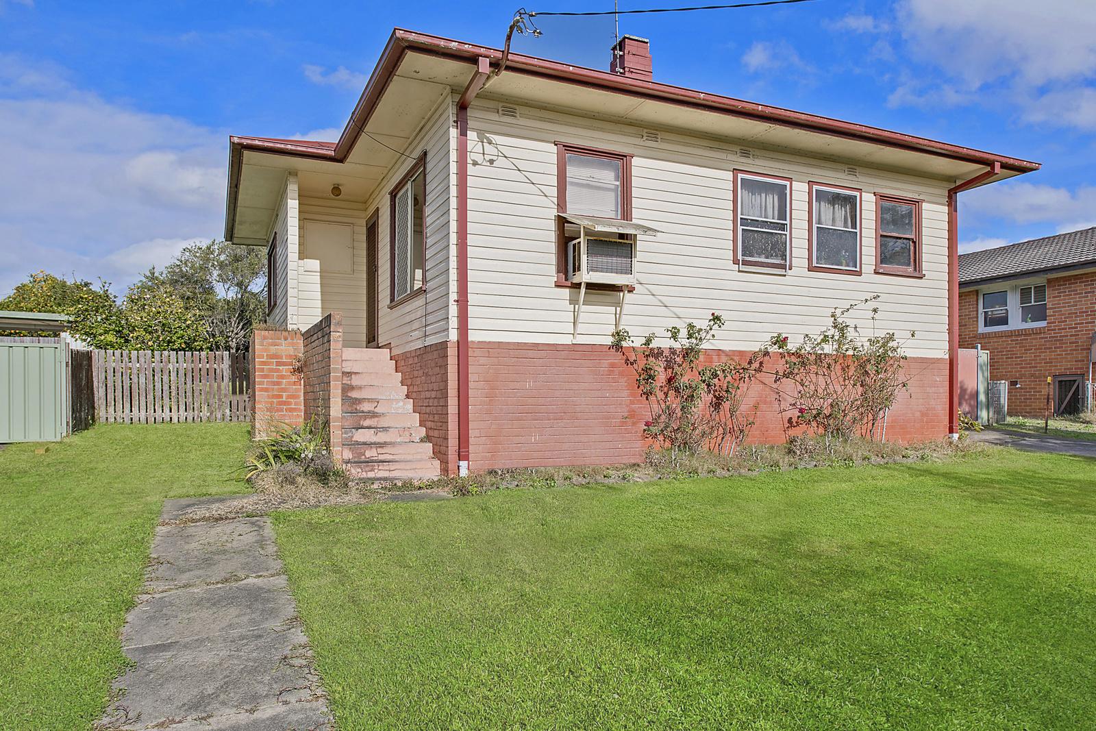 19 Neville Everson Street, West Kempsey, NSW, 2440 - Image 1
