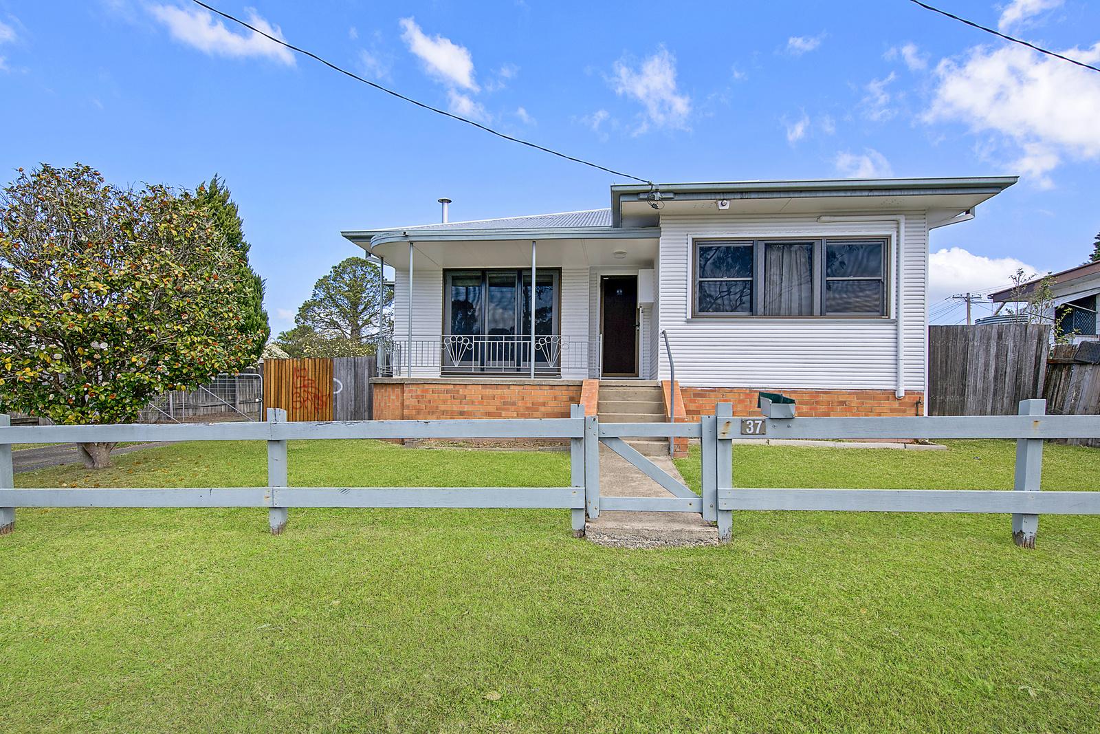 37 Middleton Street, South Kempsey, NSW, 2440 - Image 1