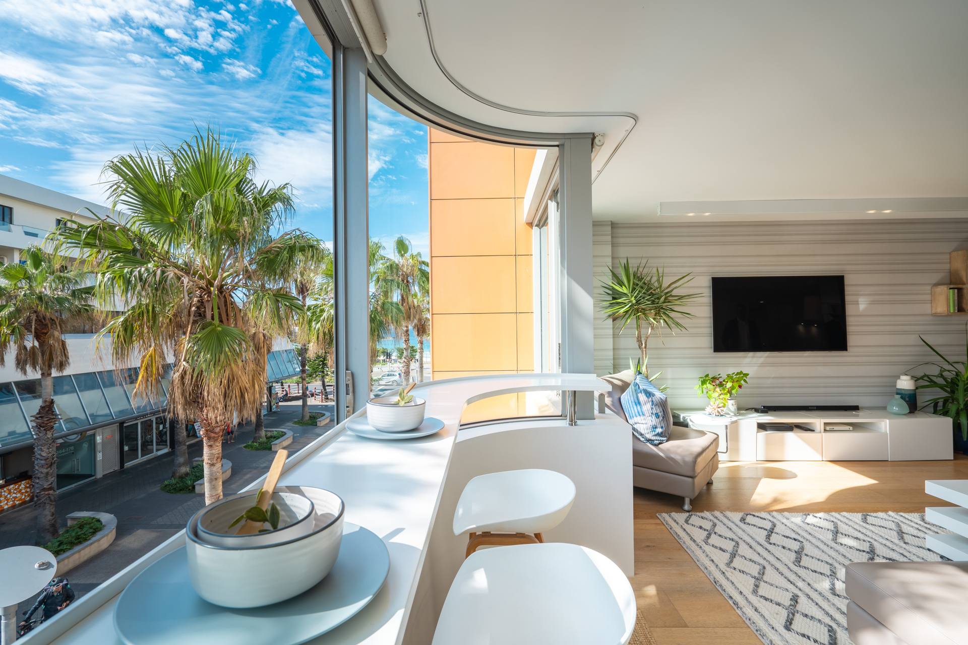 SOPHISTICATED OPULENCE AT THE HEART OF BONDI BEACH
